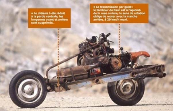 Trasforma l'auto guasta in una moto e si salva dal deserto 5