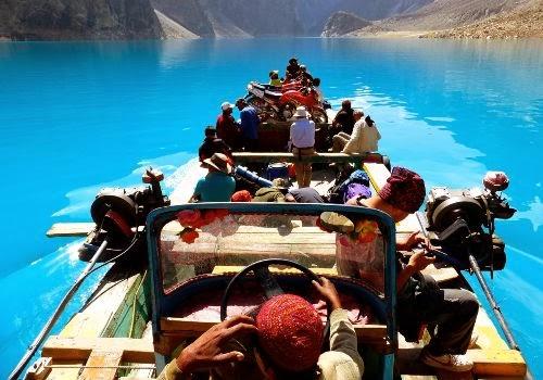 Strade Mitiche,lago Attabad, Karakoram Highway,