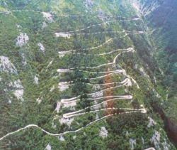La strada dei 50 tornanti (Montenegro) pag