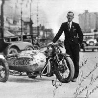 J. Graham Oates il primo uomo ad attraversare tutto il Canada in moto