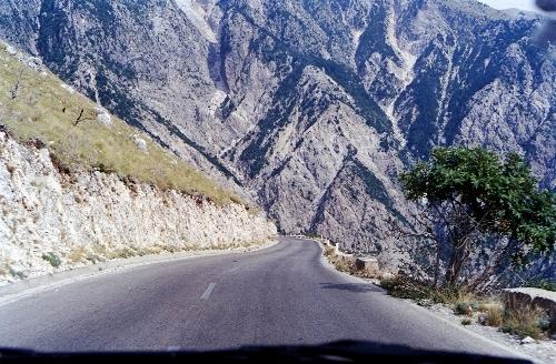 Strade mitiche ,Llogara Pass ,Albania, in moto,